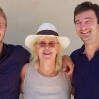 Beatrice et fils David (à droite) et Robin (à gauche)
